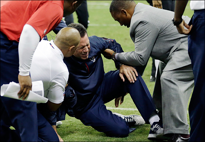 Texans' Kubiak had mini-stroke, out indefinitely