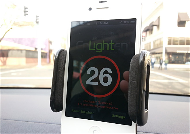 Local app 'Enlightens' drivers of traffic light duration