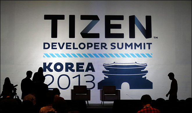 Samsung postpones launch of Tizen smartphone