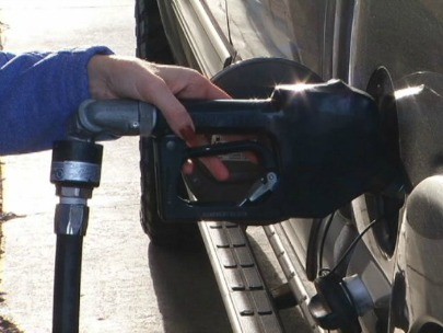 US wholesale costs fall for 3rd month on cheap gas