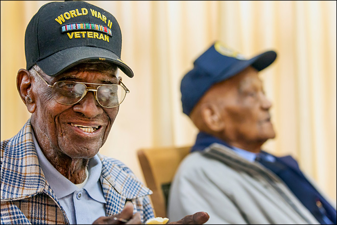 America's 2 oldest veterans, both 107, meet for 1st time