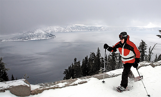 Crater Lake National Park begins snowshoe tours