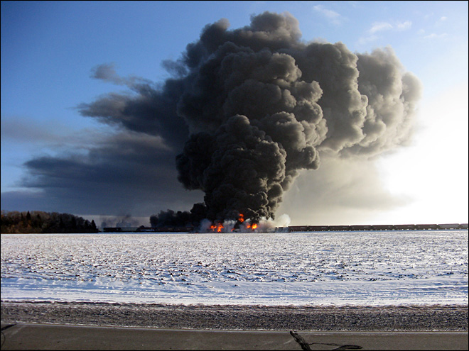 Mayor: N. Dakota crude explosion 'too close for comfort'