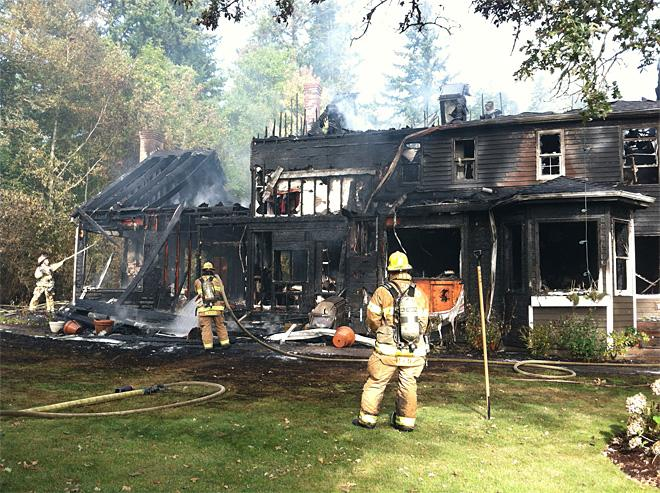 Pets escape morning house fire