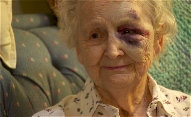 Elderly woman fights off thieves: 'Come back here and I'll use a baseball bat on ya!'