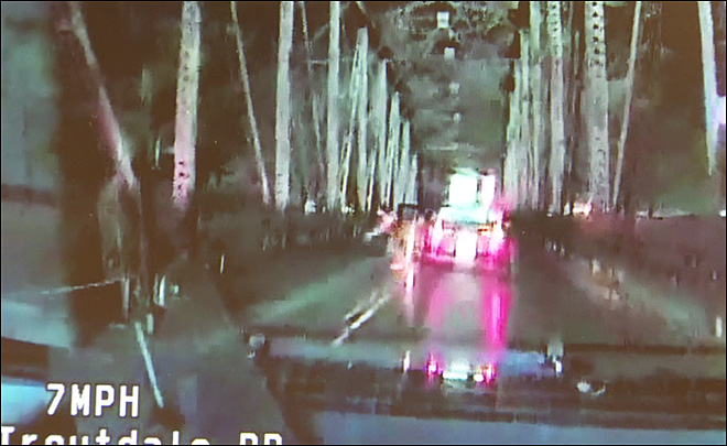 Oregon woman leaps from bridge trying to escape police chase