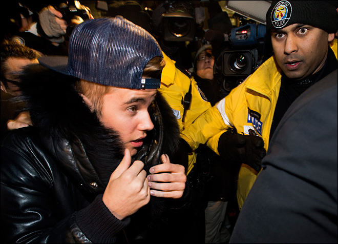 Crack-smoking Toronto mayor defends Justin Bieber