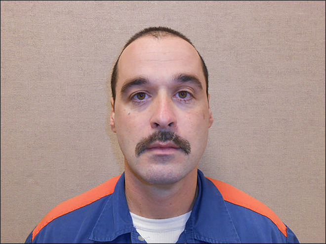 Nationwide alert as convicted murderer escapes Mich. prison