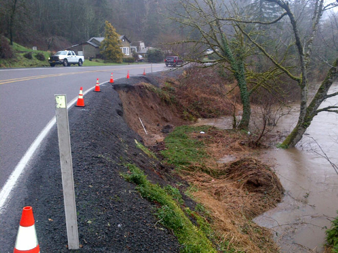 River eats away ground beneath Oregon highway