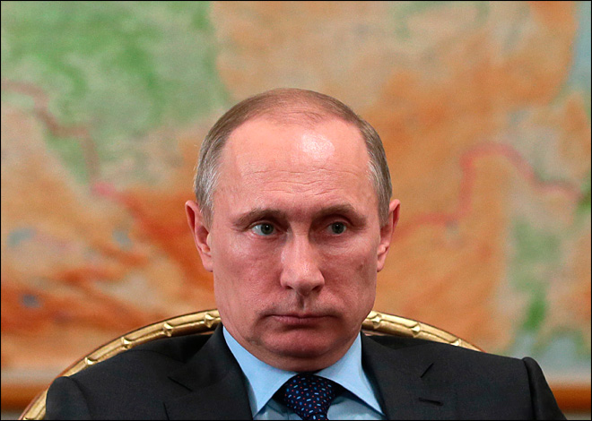 Putin orders military tests amid Ukraine tensions