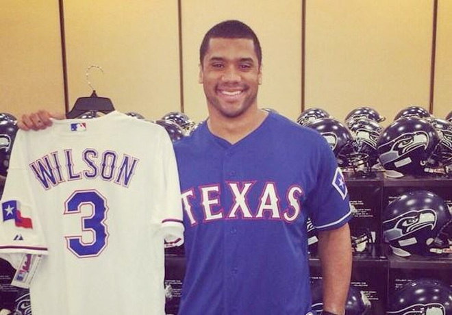 Wilson's visit brings buzz to Cactus League
