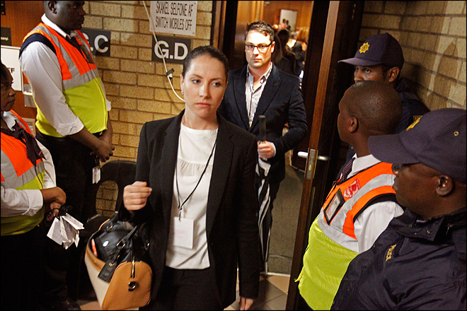 Once-calm witness cries at Pistorius murder trial