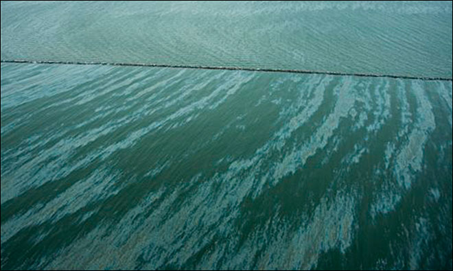 'Significant' oil spill closes US ship channel