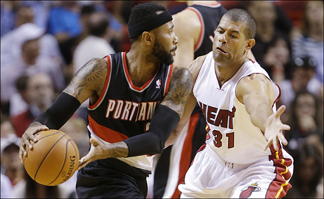 James, Bosh lift Heat over Trail Blazers 93-91