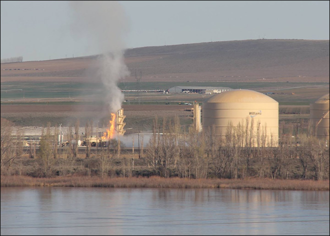 Blast rocks E. Wash. gas plant; 5 workers hurt