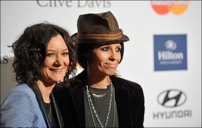 'Roseanne' actress Sara Gilbert and musician Linda Perry wed