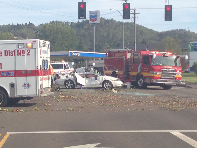 Grants Pass woman dead in crash near Roseburg High School