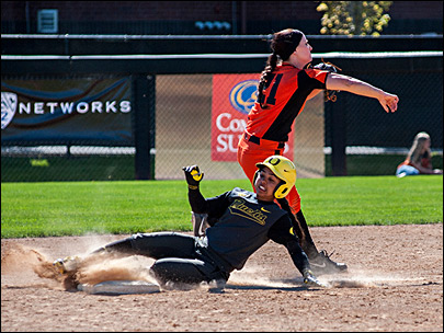 Ducks bust Beavers 10-2 in 2nd of three-game Civil War series