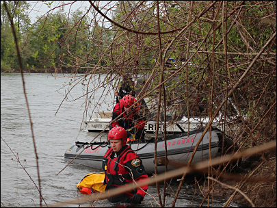 Family finds deceased man floating in the Willamette near Albany