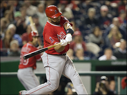 Albert Pujols hits 500th HR of major league career