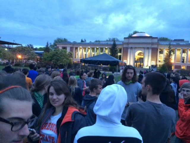 Bomb threat forces evacuation of all 11 Oregon State dorms