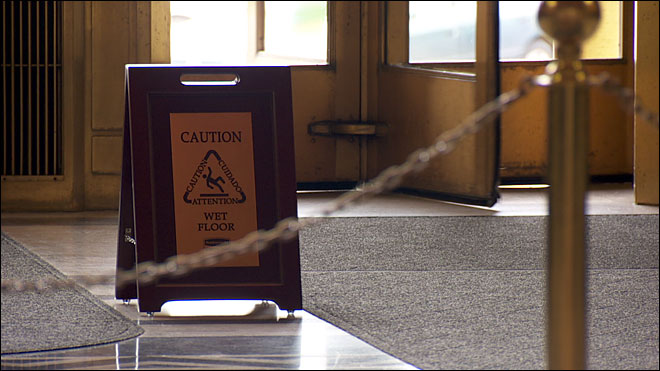 Oregon pays $129 a pop for wet floor signs at Capitol