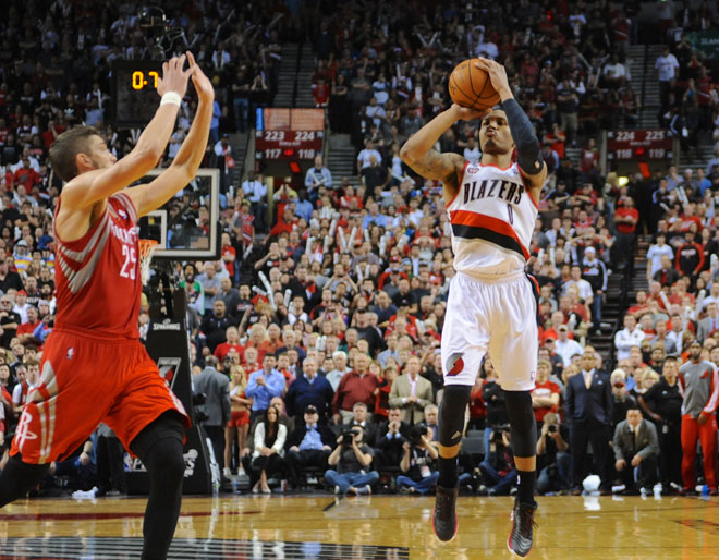 Rip City! 3-pointer at buzzer blasts Blazers past Rockets
