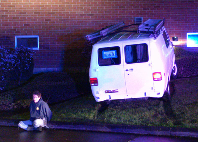 Officials: Man almost drives into police station during escape attempt