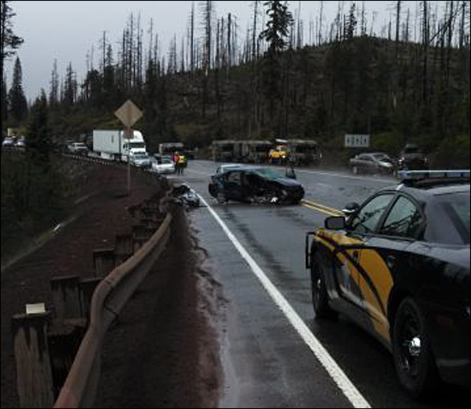 Deadly crash closes Highway 20 near Santiam Summit