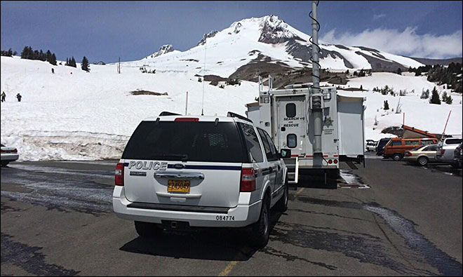 Tualatin climber rescued after Mount Hood fall