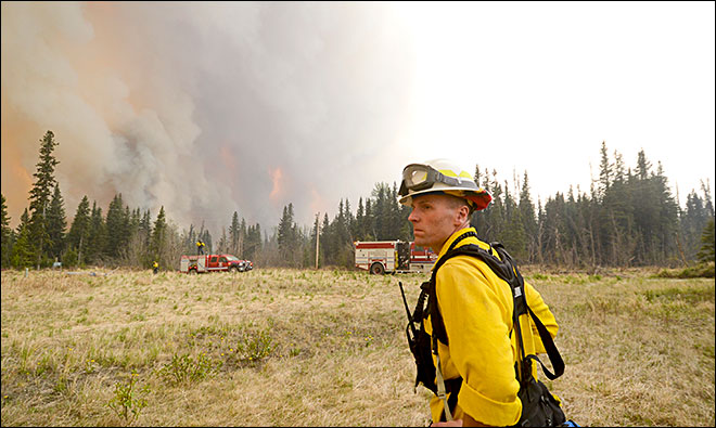 Area evacuated as Alaska wildfire grows