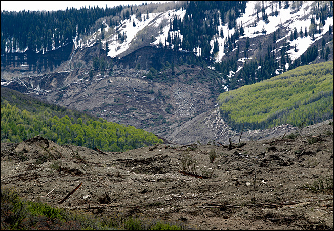 Search halted for 3 missing after massive Colorado mudslide