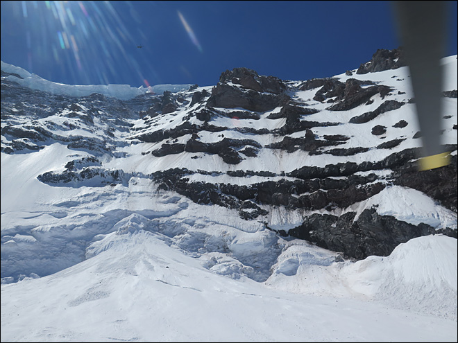 6 climbers believed dead after 3,300-foot fall on Mt. Rainier