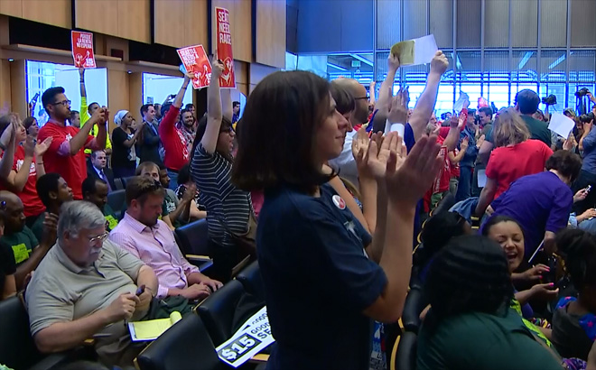 Seattle City Council unanimously passes $15 minimum wage