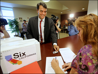 Investor submits signatures to split California into 6 states
