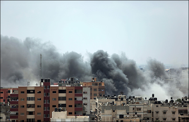 Israeli shells hit hospital in Gaza, official says