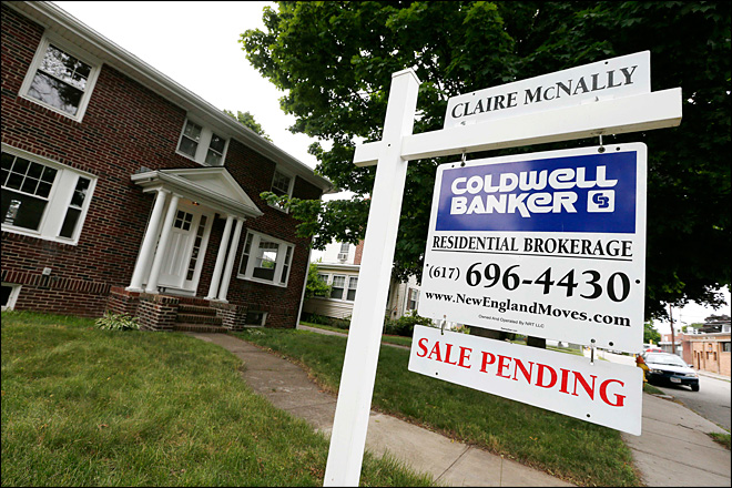 Pending U.S. home sales rise in hopeful sign