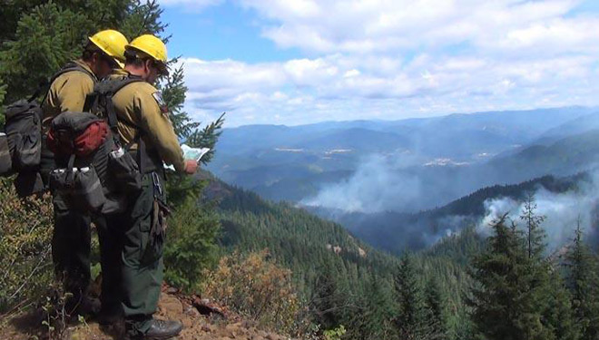 Fires near Oakridge spread smoke across eastern Lane County