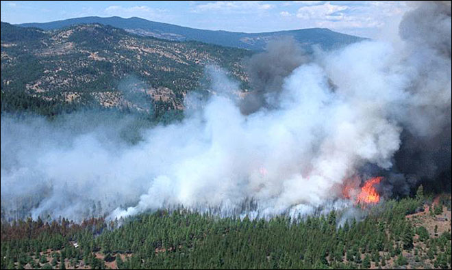 Ranch families flee wildfire east of Ashland