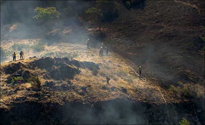 Firefighters gain ground on Rowena wildfire