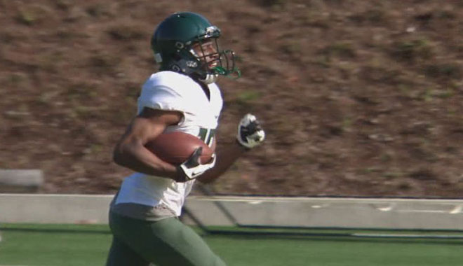 Oregon's Loyd goes from basketball to football