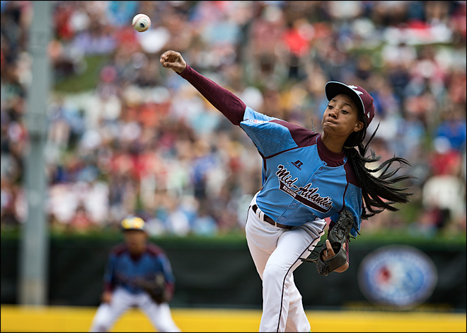 Philadelphia's Mo'ne Davis knows hoops, too