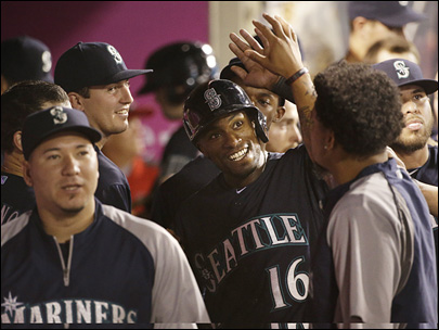 Mariners rout Angels, gain ground in playoff race