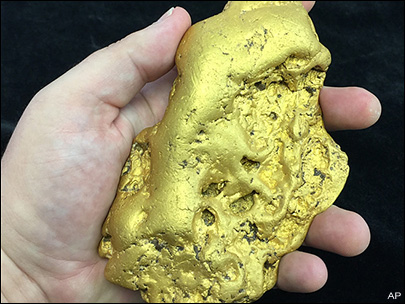 Huge gold nugget going up for sale in California