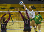 Ducks sweep Broncos in opening match of tournament