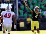 Oregon QB Adams out, Lockie gets 1st start for No. 12 Ducks