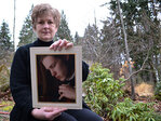 Oregon woman fights Facebook for access to dead son's account