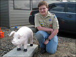 Ore. city&apos;s concrete police pig back in pink