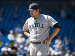 Saunders roughed up on road again as Mariners lose