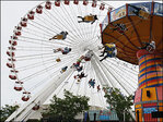 48-hour ride breaks Ferris wheel world record